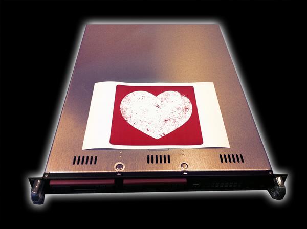 TH11025-Serverfoto-mit-Herz